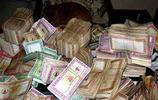 這個窮的只剩下錢的國家,人們領工資不要紙幣要麵包