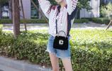 古力娜扎街拍美圖,時尚拼色上衣搭配牛仔短褲清新可愛