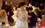 陳妍希透明裙遮不住,旁人都看流鼻血了,網友:陳曉怎麼不管管?