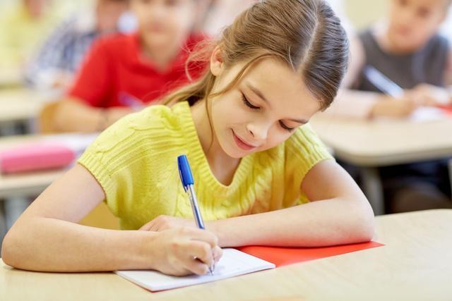 請讓孩子堅持練字,因為孩子寫一手好字,其一生都會受益!