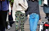 16歲凱雅傑柏與閨蜜出街顏值吸睛 穿迷彩褲潮範十足