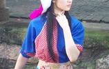 劉亦菲一身藍色粗布衫,戴布巾變身江南女子,河邊洗衣,水中划船