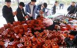 魯北最大藏品市場,百元三盒讓老闆娘獲利數千元,裡邊都裝了啥?