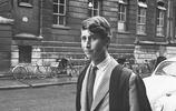 英國王室成員學歷如何?哈里王子沒有上大學,5歲小喬治學業繁重
