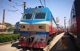 "SS7D型電力機車剪影,西安鐵路局""專供"",最高時速可達170公里"