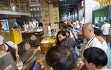 一天賣近萬個!杭州市民排隊半小時只為買這家店的包子