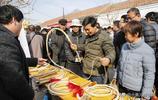 山東農村第四代純手工皮鞭傳人,艱辛守護著老手藝不放棄,敬佩