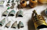 農村大集地攤文物成堆賣,青銅器編鐘百十元一個,來自古墓你信嗎