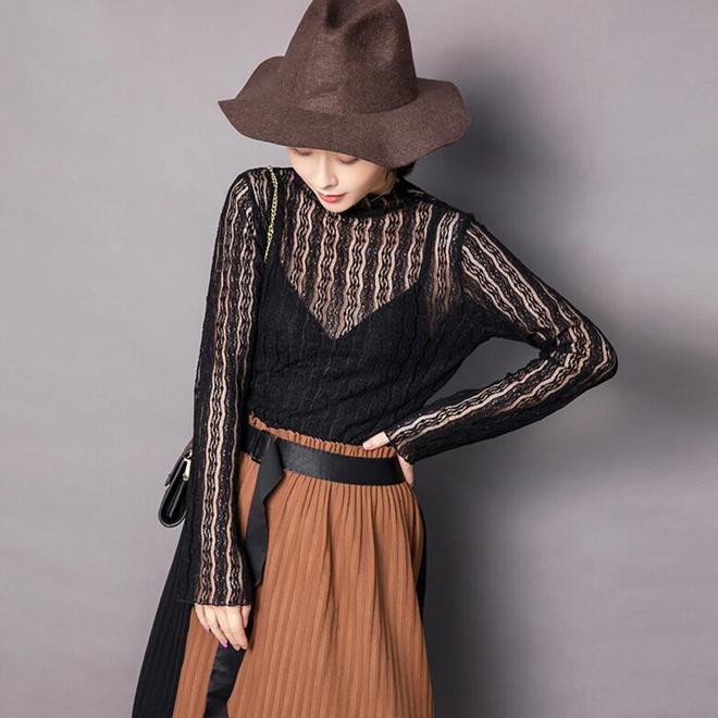 這個秋季穿什麼好看?現在流行雪紡衫配高腰褲,減齡顯瘦更時髦