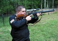 它是前蘇聯的一種滅音狙擊步槍,主要裝備於特種部隊