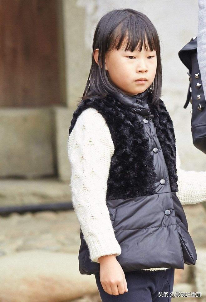 """小瀋陽女兒""""整容""""式長大,當初的""""醜小鴨""""已經長成白天鵝!"""