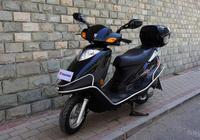 豪爵最暢銷的踏板車,油耗2.8L,自帶尾箱和護槓,僅售4890元