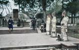 30年代杭州上色彩照 西湖漫步怡然自得 路邊小吃攤的煙火味