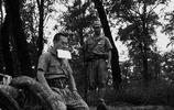 老照片:1945年,11張罕見照再現二戰日軍自殺現場