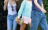 德普叔18歲的女兒Lily出街,著白色背心真空上陣,身材真好