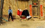 農村孩子的童年遊戲,城裡娃看後只剩下羨慕和嫉妒了