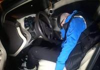 喝完酒在車裡睡覺算酒駕?交警:沒有這兩種行為就行