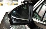 創造好幾個世界紀錄SUV,跟Q7同平臺,標配全時四驅+差速器無人買