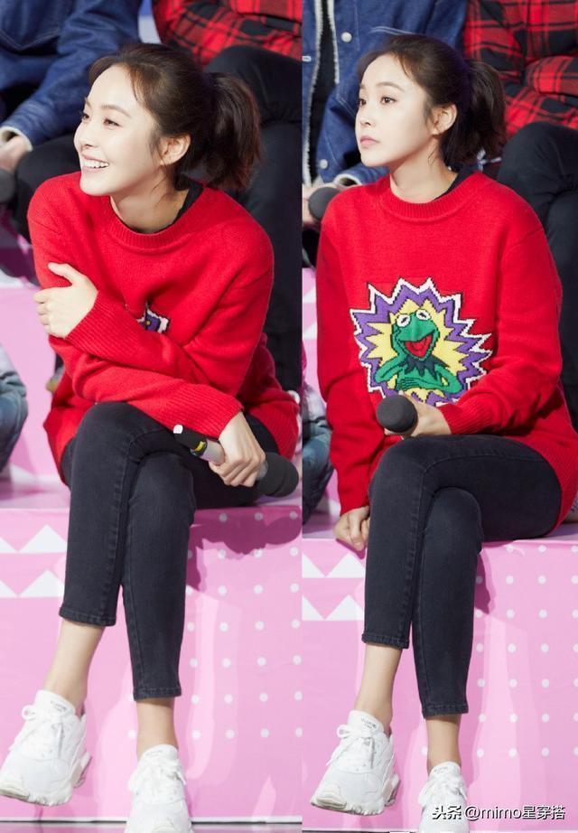 張佳寧連換兩套衣服上快本,紅色短裙搭T恤太減齡,確定這是30歲