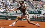 羅傑·費德勒在法國巴黎羅蘭參加2019年法國巴黎網球公開賽的1/8