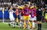 足球——A組:法國隊勝挪威隊