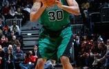 拉希德·華萊士,1974年出生於賓夕法尼亞州費城,前美國職業籃球運動員,司職大前鋒與中鋒