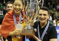 朱婷歐冠捧杯加冕世界最美排球女王!周琦留洋學朱婷別學易建聯