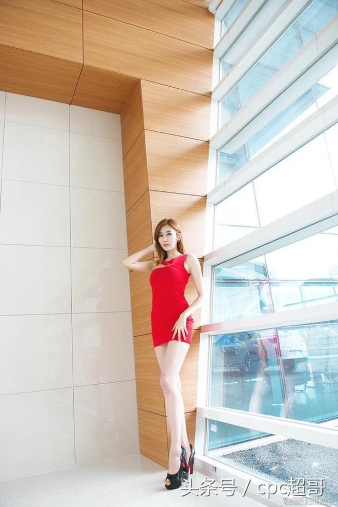 性感模特攝影圖集:韓國白嫩模特紅色緊身裙