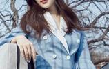 王曉晨時尚代言美圖,身穿一款淡藍色格紋西服清新優雅
