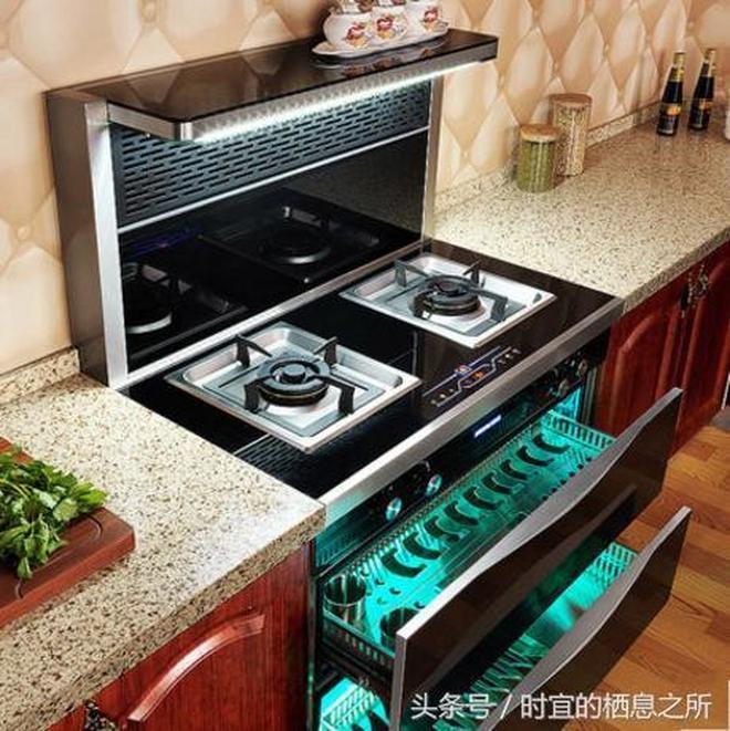 很多人家裡不弔抽菸機了,現在都流行這樣的廚房,特漂亮超實用