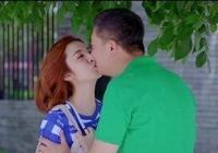 年近50吻遍娛樂圈女星,女演員十分樂意配合他,網友人生贏家!