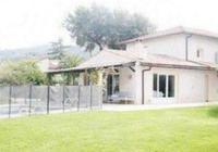 帶你參觀劉燁法國的家,家裡有籃球場和游泳池,在法國卻很常見