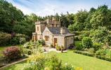 英國一座建於1830年的迷你小城堡,售價55萬英磅