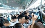 成都地鐵一號線早高峰有多擠?看看這些照片就知道了