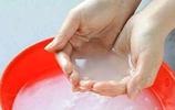 秋季洗臉水中加1寶,皮膚越洗越白,白過鮮牛奶,幾乎被人忽略