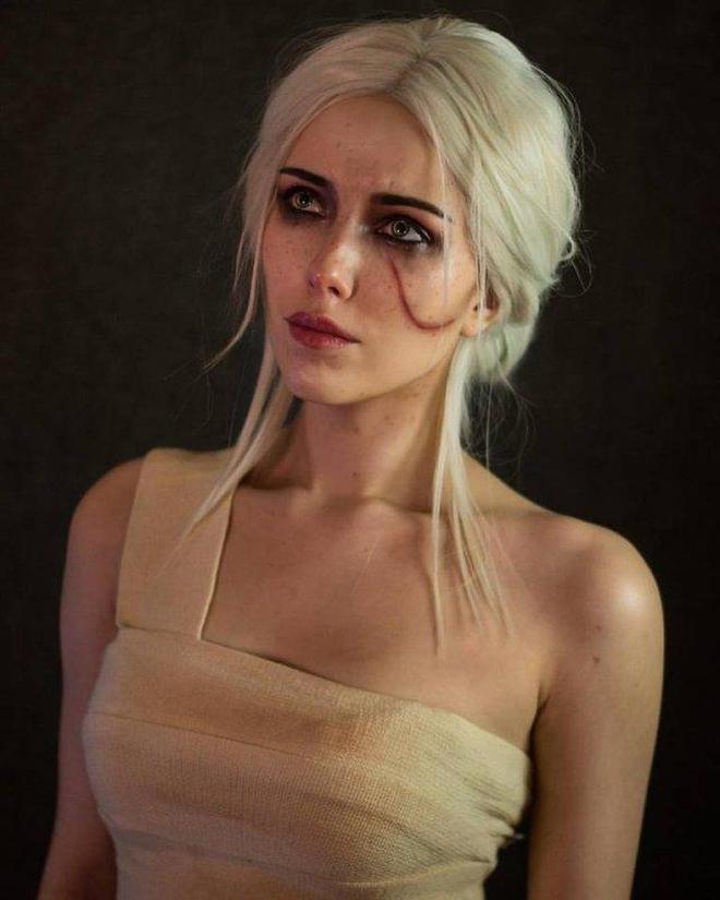 這個女孩Cosplay英雄聯盟和守望先鋒的女性角色太漂亮了!