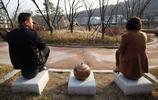 實拍韓國廁所主題公園,遊客們對茅廁都充滿了好奇