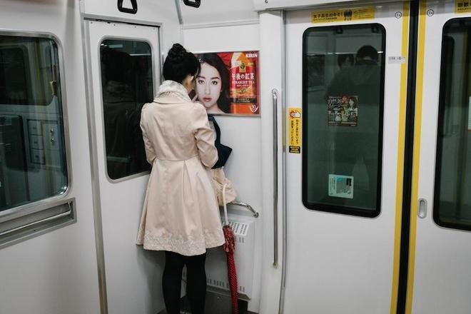 繁華的東京也有寂寞的街頭,看東京寂寞的都市人