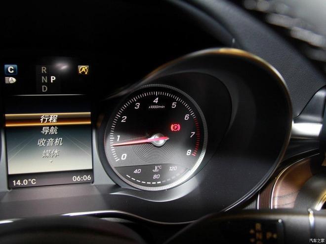 汽車圖集:奔馳GLC 2017款 GLC 300 4MATIC 豪華型
