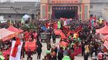 山西臨猗農村的古廟會,熱鬧非凡,引千人觀看