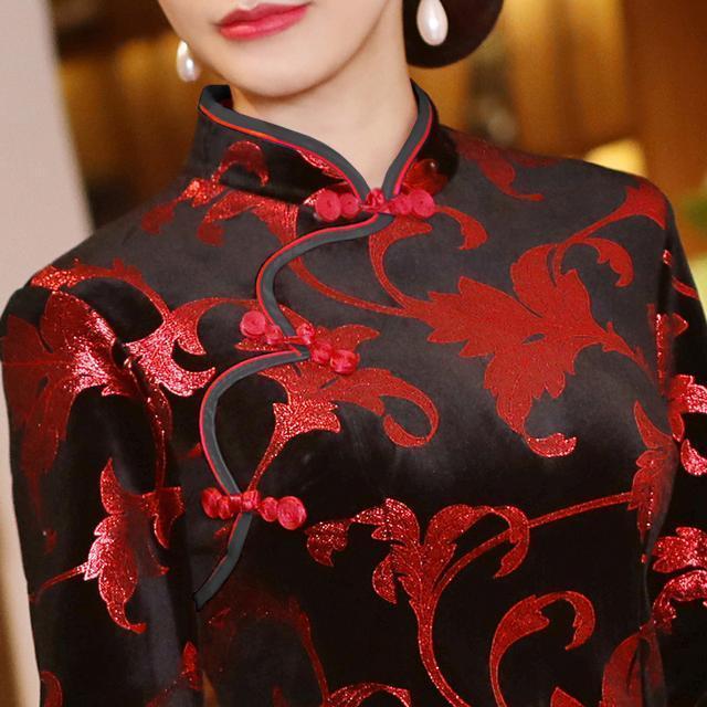 年齡在36-56歲女人,儘量多穿旗袍裙,保暖復古美,忒漂亮