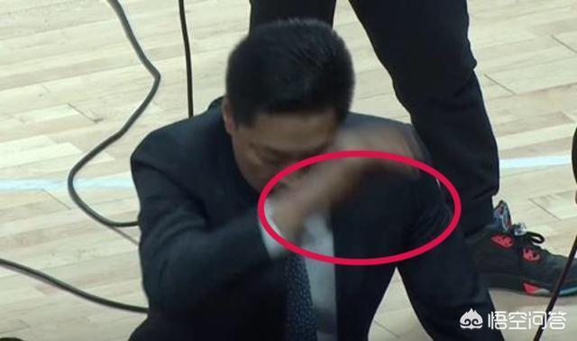 廣廈對陣浙江,比賽中博洛西斯怒吼李春江,後者當場怒摔東西,當時發生了什麼?