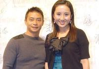 45歲李小雙近照:身家過億娶美貌歌手,卻因工作忙至今沒孩子