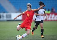 作為中國女足球場上的霹靂火 李影在場上一直以來都是敢闖敢拼