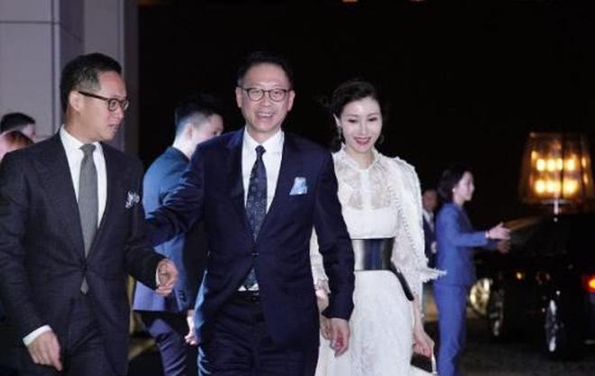 香港頂級富豪聚會照片曝光,甘比、李嘉欣夫婦齊齊到場