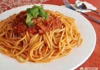 意大利麵是不是真的是空心的?煮起來很費時間,是不是需要提前用水泡一泡呢?