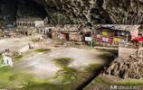 貴州大山有一個2萬多平方米的山洞,住著18戶人家70多個人