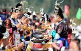 喝酒吃菜對歌謠,這樣的長桌宴會歡樂多,來貴州旅遊可以去嚐嚐