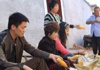 王寶強,靳東,劉濤回老家,差距一目瞭然,劉濤被當成騙子