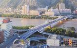 """這座橋改造後添""""雙耳"""" 緩解了蘭州濱河路的擁堵"""